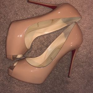Christian Louboutin 38.5 nude very Prive 120mm